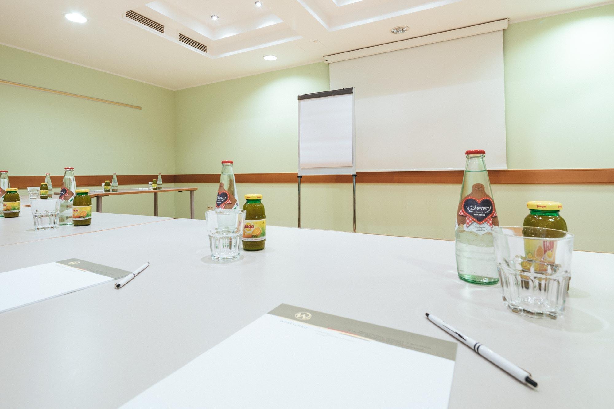 Seminarraum Tisch